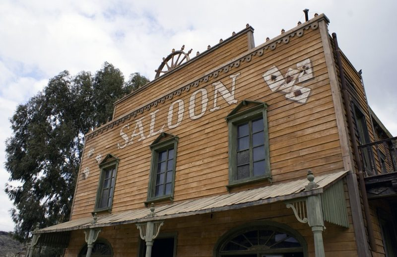 saloon casino house